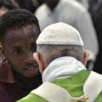Papa celebrará missa com grupos que acolhem os migrantes