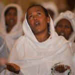 Papa reza com fiéis por vítimas da violência na Etiópia