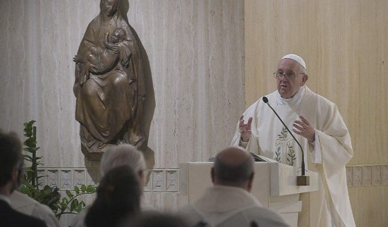 Papa: cristãos sem alegria são prisioneiros das formalidades