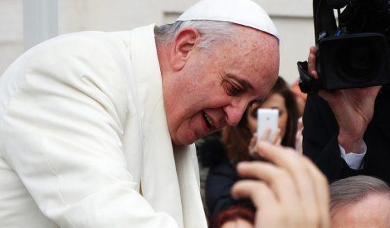 Papa: a hospitalidade é uma virtude ecumênica que exige disposição para ouvir os outros