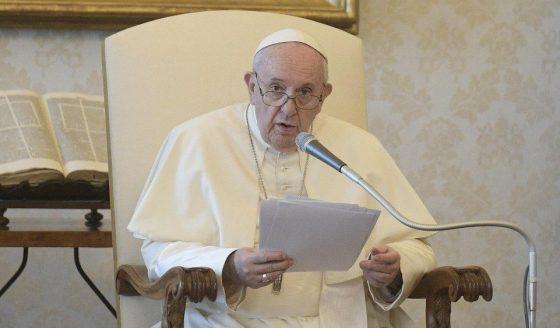 O Papa: a desigualdade social e a degradação ambiental andam de mãos dadas